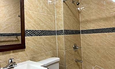 Bathroom, 5418 4th Ave, 2