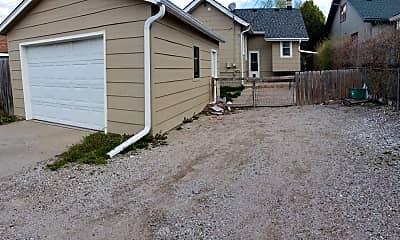 Building, 4413 California St, 2