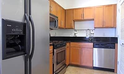 Kitchen, 501 30th St 2A, 1