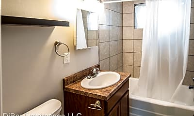 Bathroom, 620 S 35th St, 2