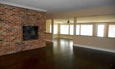Living Room, 5129 Griffin Ln, 2