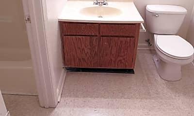 Bathroom, Berkley Pointe, 2