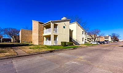 Building, Creekwood Apartments, 2