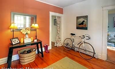 Living Room, 402 Altamont Cir, 1