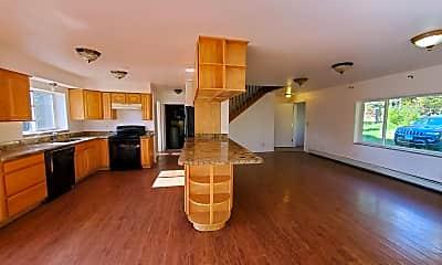 Living Room, 668 Tekoa Trail, 1