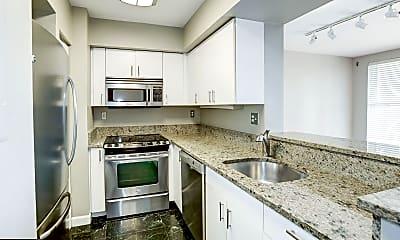 Kitchen, 601 Pennsylvania Avenue NW 1404N, 1