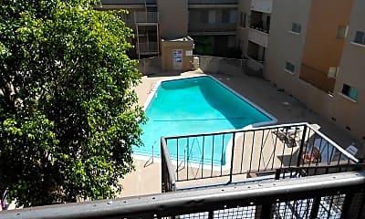 Pool, 6041 Whitsett Ave, 2