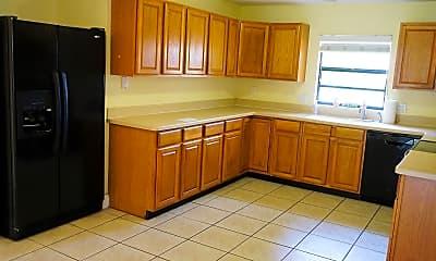 Kitchen, 841 Preston Trail, 2