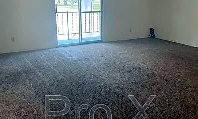 Living Room, 2027 S River St, 0