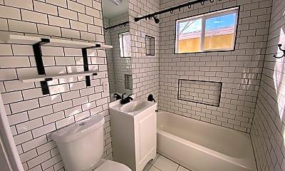 Bathroom, 1909 N Penasco Dr, 2