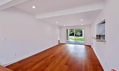 Living Room, 5411 Willis Ave, 2