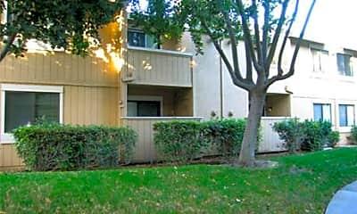 Ellington Apartment Homes, 1
