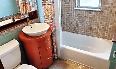 Bathroom, 2042 33rd St, 2