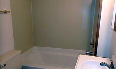 Bathroom, 601 Lyon St, 2