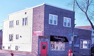 7401 W Addison St, 0