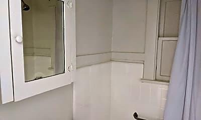 Bathroom, 40 Alamitos Ave, 2