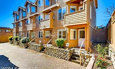 Building, 426 NE Maple Leaf Pl, 0