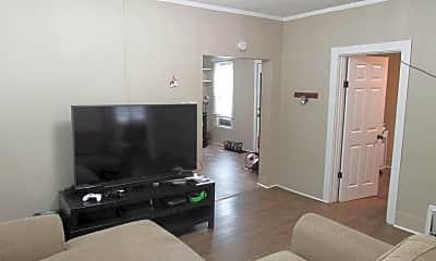 Living Room, 404 6th St SE, 2