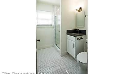 Bathroom, 6544-6548 DeLongpre Ave., 2
