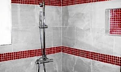 Bathroom, 2112 Elmen St, 2