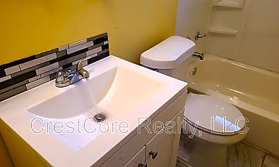 Bathroom, 1716 Dupont Ave, 2