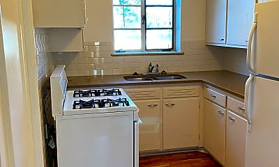 Kitchen, 912 Country Club Ave, 1