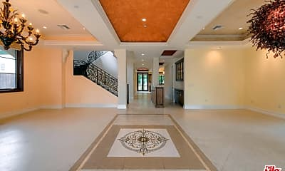 Living Room, 418 S Elm Dr, 1