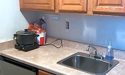 Kitchen, 1324 1/2 Parsons Ave, 0