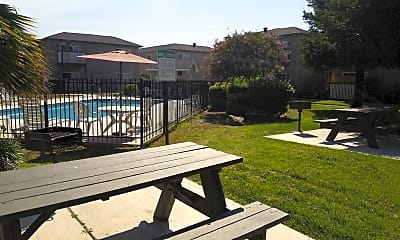 Abbey Pointe Apartments, 2