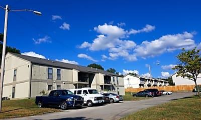 Foxwood Apartments, 2
