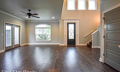 Living Room, 521 N Salem Rd, 1