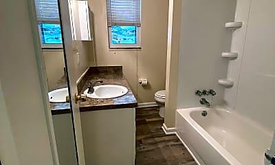 Bathroom, 1501 Cowling Avenue #2, 2