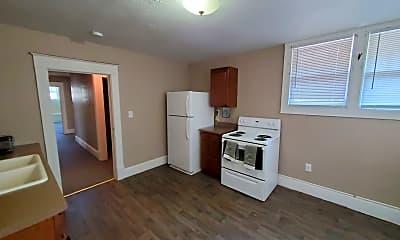 Kitchen, 705 W Elm St, 2
