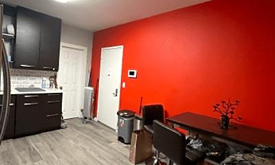 Living Room, 692 Riverdale Ave, 2