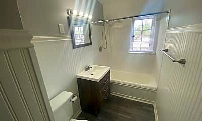 Bathroom, 6600 Chestnut St, 2