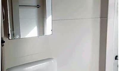 Bathroom, 708 NW 19th Ave, 1