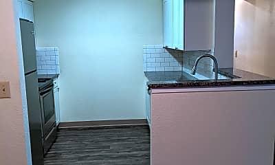 Kitchen, 2108 Stirrup Ln, 1