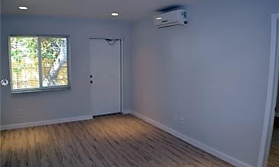 Living Room, 718 SE 13th St, 2