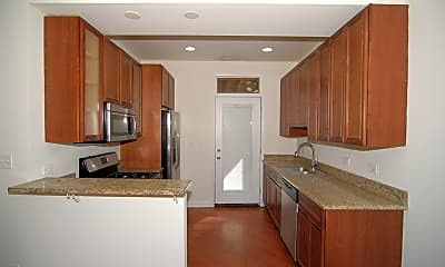 Kitchen, 1529 W Hollywood Ave, 1