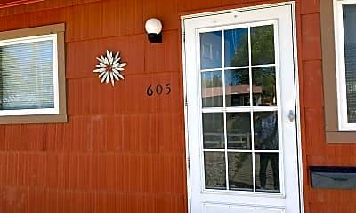 Living Room, 605 E Fourth St, 2
