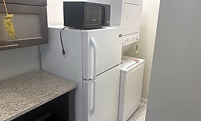 Kitchen, 1310 W Winona St #1F, 1