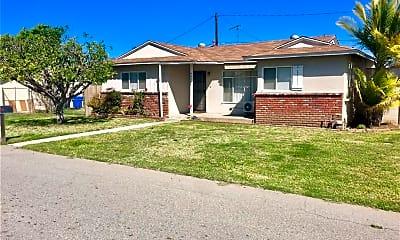Building, 4422 N Lyman Ave, 2