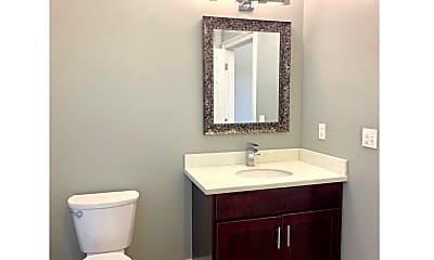 Bathroom, 2525 Cadiz St, 2