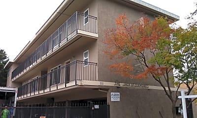 Building, 906 E 4th Ave, 0