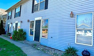 Building, 1425 S Walnut St, 1