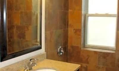 Bathroom, 3816 N Sheffield Ave, 2