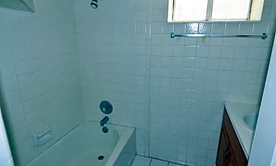 Bathroom, 767 Lisonbee Ave S, 2