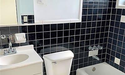 Bathroom, 85 W 6th St 41, 2