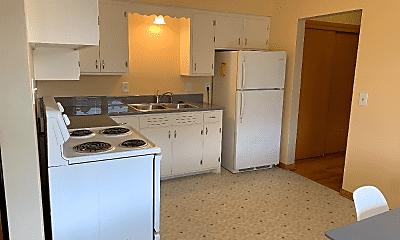 Kitchen, 1605 Trailsway, 2