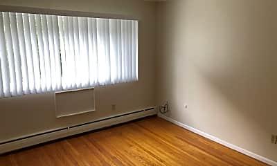 Living Room, 2835 W Kilbourn Ave, 1